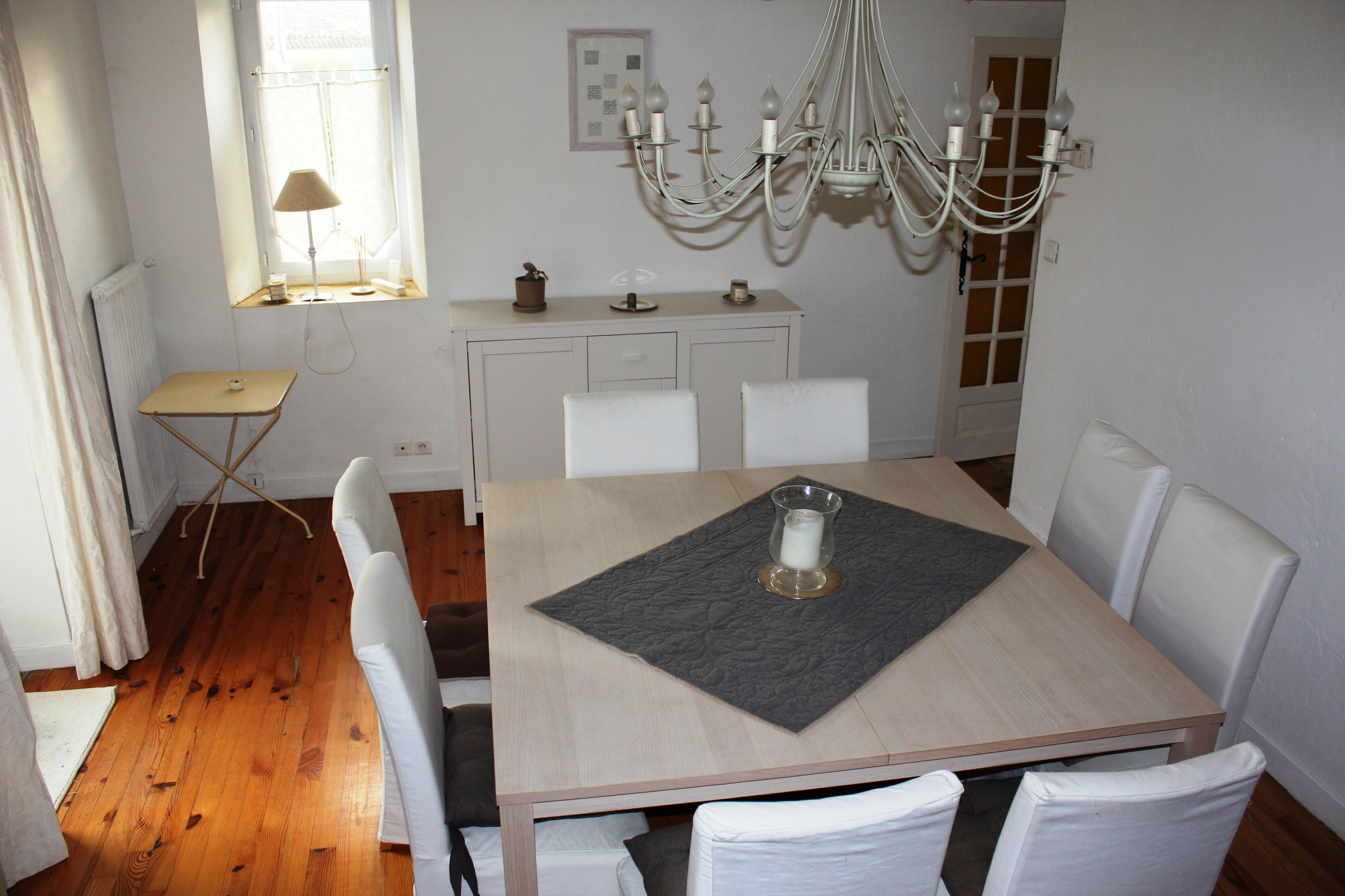 Maison pleine de charme vendre en provence lpbo for La salle a manger salon de provence